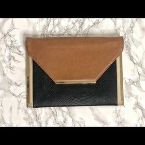 [Like New] Clutch bag